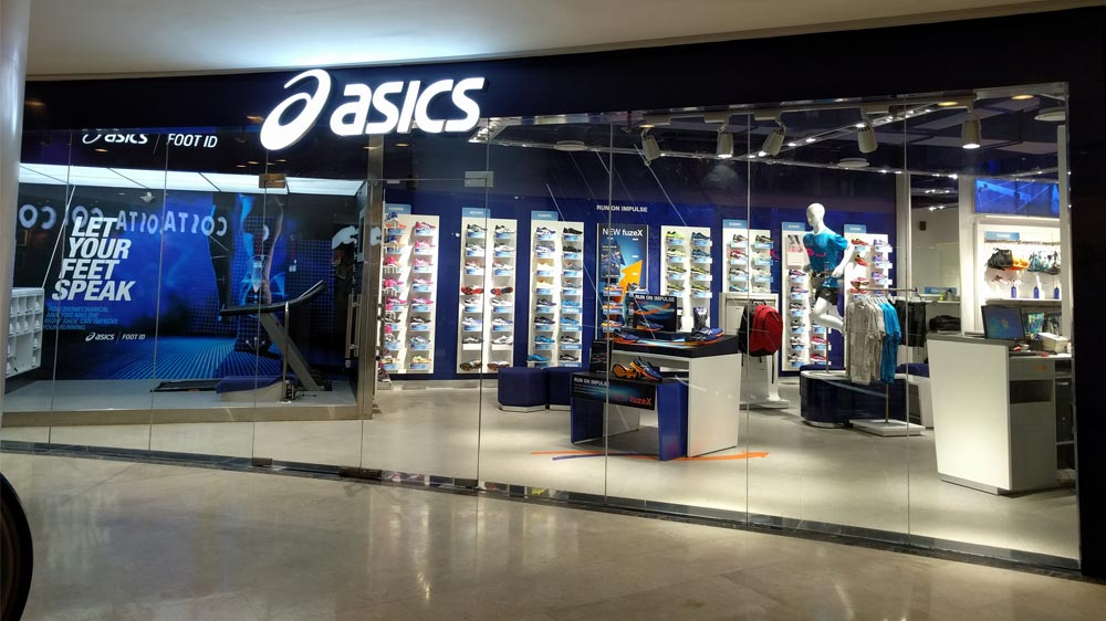 boutique mall asics